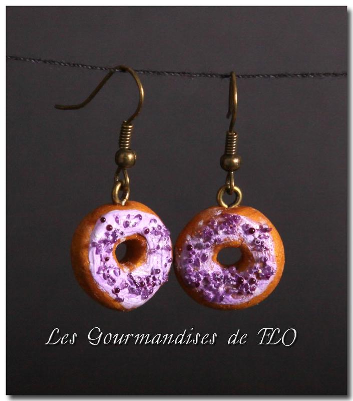 Donuts à la violette (collection La Gourmandise est un joli défaut)