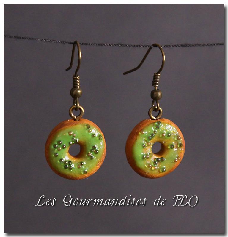 Donuts pistache (collection La Gourmandise est un joli défaut)