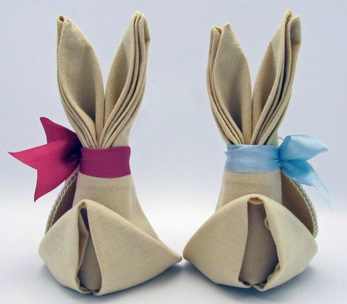 pliage-serviettes-facile-famille-lapins-Pâques