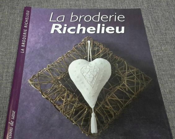 Broderie Richelieu 1
